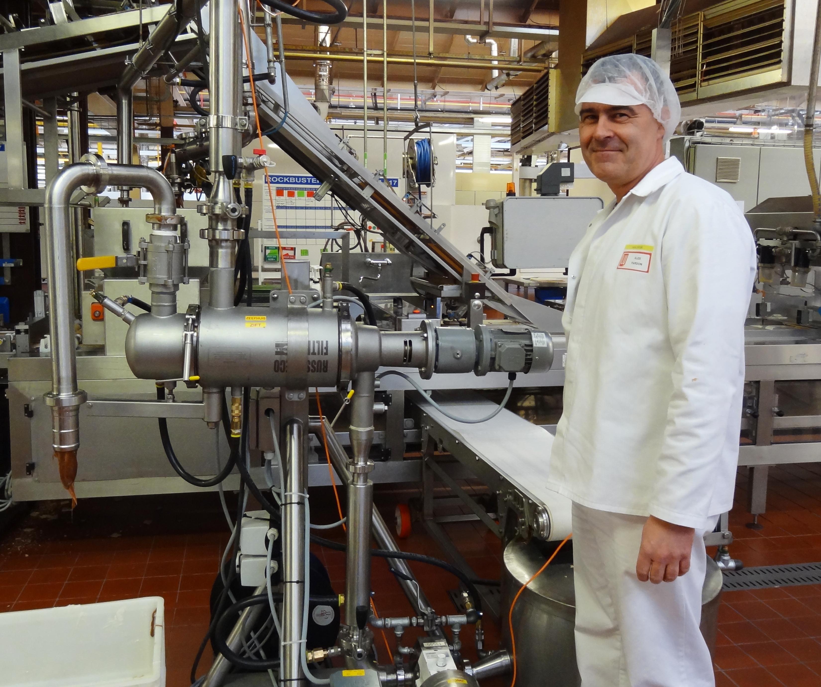 Samoczyszczący filtr liniowy w zakładzie produkcyjnym koncernu Mondelez