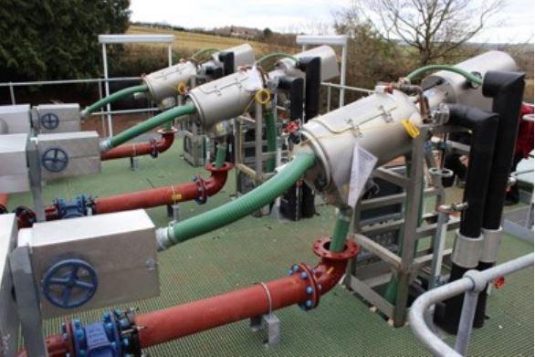 Separatory cieczy-ciał stałych do uzdatniania wody