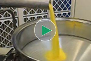 Przesiewanie kukurydzy z przesiewaczem wibracyjnym